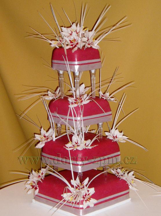 svatební dort, květiny a rýžový papír
