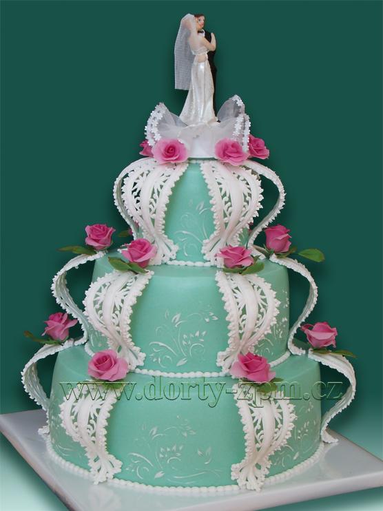svatební dort, figurky ženich a nevěsta plast, zdobení royal icing