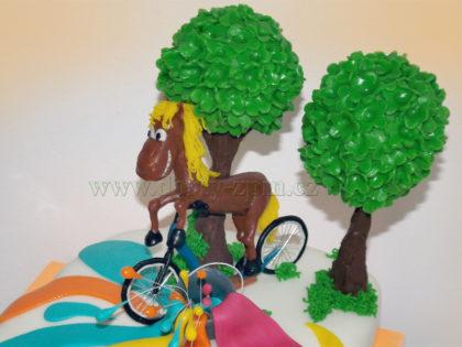 dort koloběžka a kůň