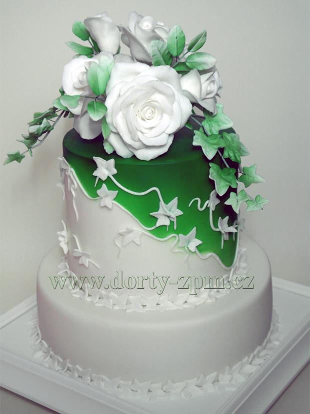 svatební dort, břečťan a růže, zeleno-bílý