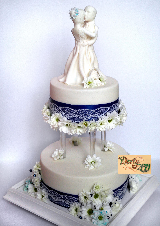dort,svatební,chryzantémy,mini,pilíře,postavičky,ženich,nevěsta,pes,dvojice, stuha, Dorty-ZPM, Plzeň