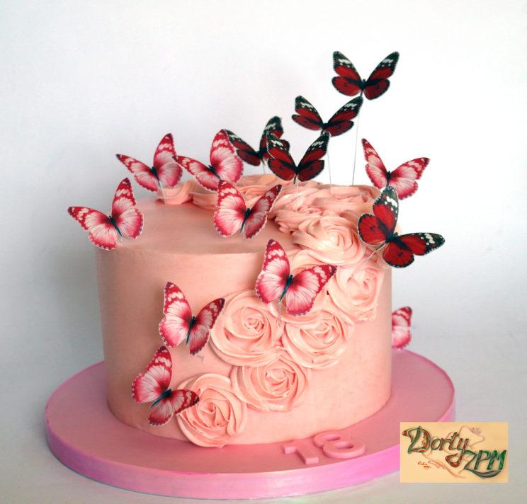 dorty Plzeň, krémový růžový dort a motýlci